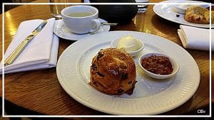 Scones-anglais-et-cream-tea
