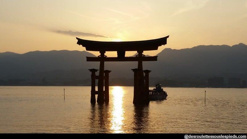 Myajima Tori la nuit Japon