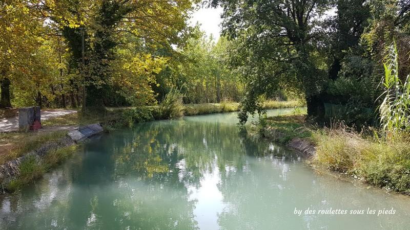 vue sur le canal de Carpentras départ véloroute du calavon