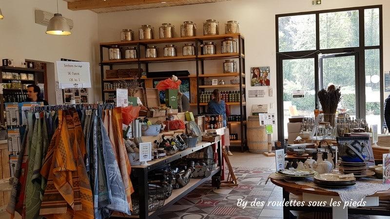visiter une oliveraie en provence la boutique bastide du laval