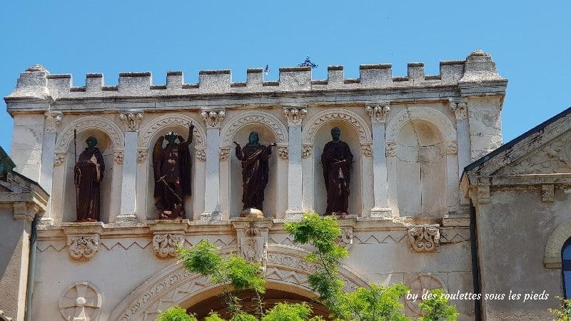 visiter l'île Saint Honorat église détails